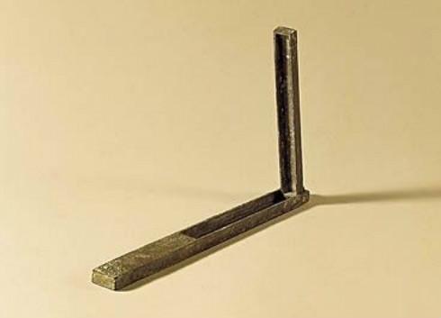 中国最早启用的测量仪表——圭表