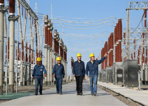 新疆博州首座220千伏智能化变电站正式投产运行