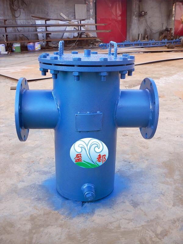 毛发聚集器是循环水处理系统的必备设备,游泳池内的混浊水夹杂着大量的泥沙、石块、杂物、毛发等由水泵抽出,首先经过毛发聚集器的拦截和收集,其过滤和节流的效果如何不仅威胁着水泵的寿命,同时对净水器的过滤水之质也产生很大的影响。 毛发过滤器是泳池循环水处理中必备的预处理装置,主要除去池中纤维、毛发及较大的固体杂物,这样您的循环泵就可以放心工作啦! 鄂州毛发过滤器结构特点 1 毛发聚集器为焊接结构。 2 结构简单,占地面积小。 3 设备底部有排污口,排污清洗方便。 鄂州毛发过滤器清洗方法 每月冲洗一次 1 将毛发